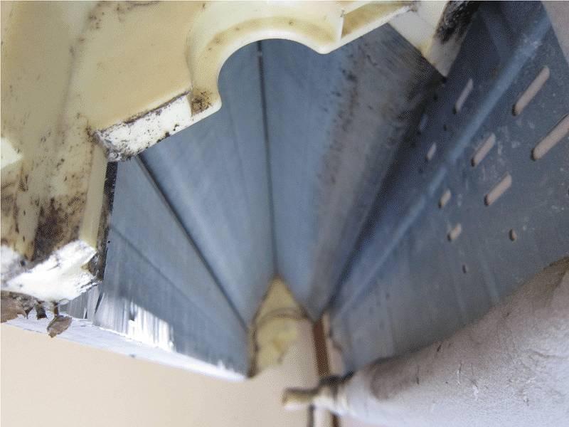 エアコンの壁にかけたまま完全分解クリーニング