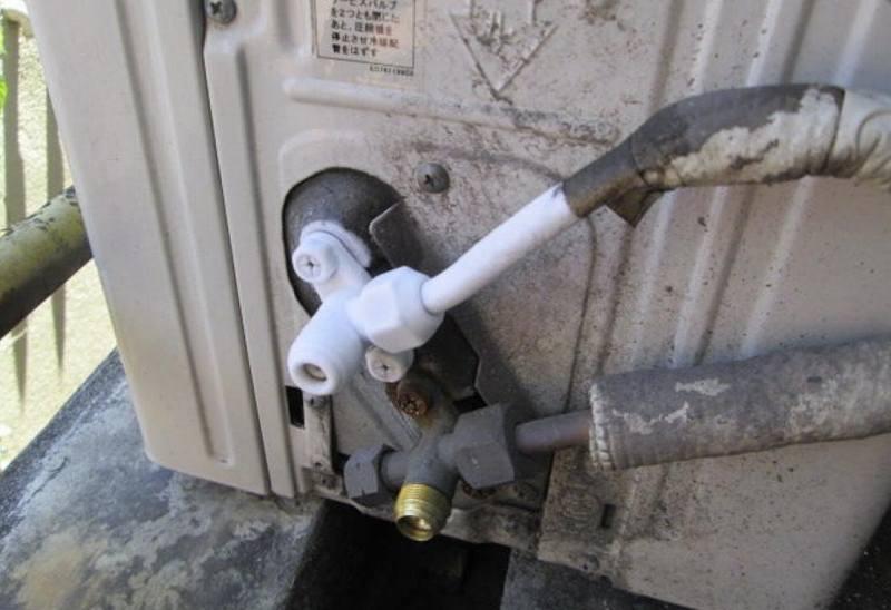 エアコンの冷房や暖房が効かないのはガス漏れが原因